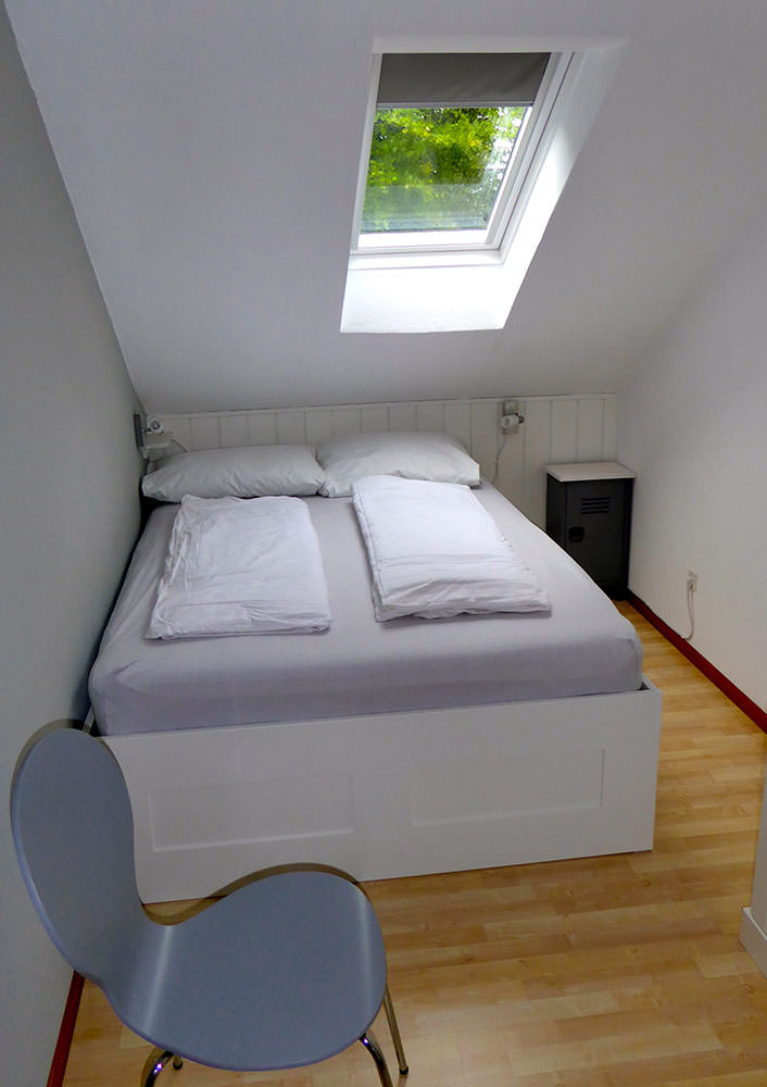 Schlafzimmer (1,4*2m)